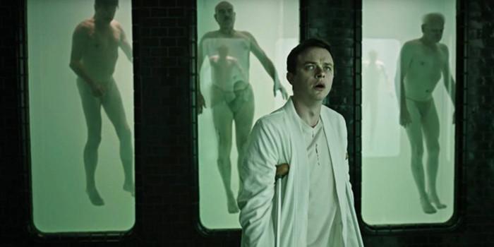 『キュア~禁断の隔離病棟~』はウナギを裸の金髪女に絡ませるエロスリラー!